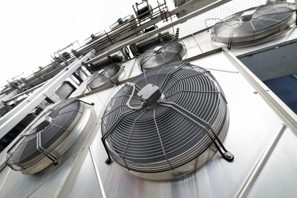 Zárja ki hűtőrendszere rendellenes működését szivárgásvizsgálattal!