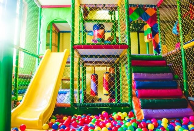 Játék labirintus nagyszerűen megépítve.